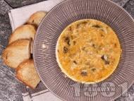 Вкусна спаначена супа с фиде и застройка от кисело мляко и яйце